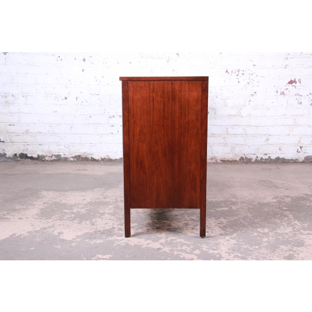 Paul McCobb for Calvin Mid-Century Modern Eight-Drawer Walnut Dresser Credenza, Newly Restored For Sale - Image 11 of 13