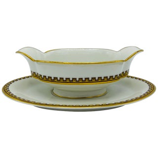 1950s Haviland Limoges 'Schleiger 962' Greek Key China Saucière Gravy Boat For Sale