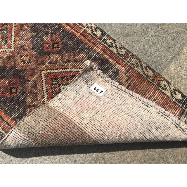 1960s Vintage Faded Rug- 1′7″ × 3′3″ For Sale - Image 5 of 6