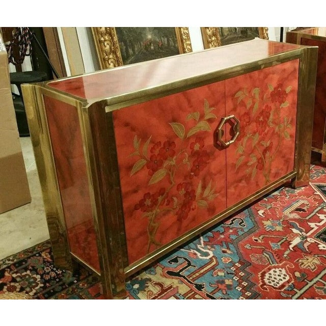 Asian Mastercraft Chinoiserie Style Faux Tortoise Commode With Red Lacquer Interior For Sale - Image 3 of 9