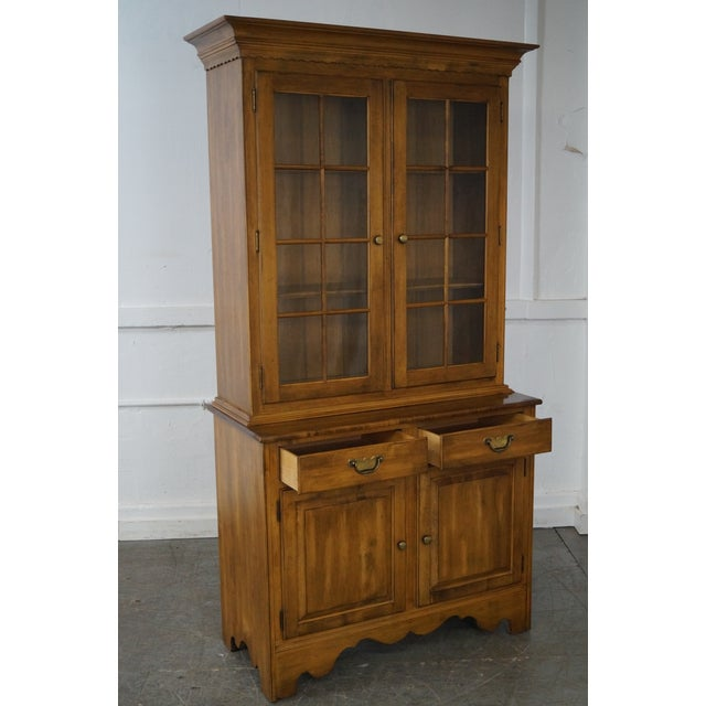 Metal Ethan Allen Circa 1776 Collection Maple China Cabinet Cupboard For Sale - Image 7 of 10
