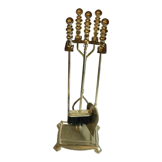 Traditional Fireplace Tool Set - 5 Pieces For Sale