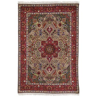 Vintage Persian Tabriz Medallion Rug with Traditional Style For Sale
