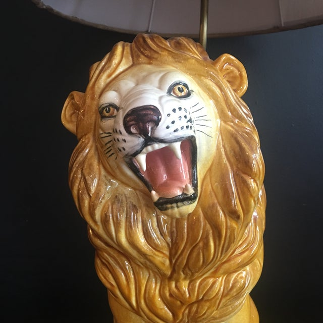 1970s Large Italian Hand-Painted Porcelain Lion Sculpture Mounted Lamp For Sale - Image 5 of 12