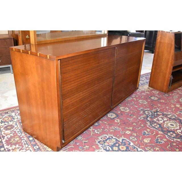 Mid-Century Modern 1952 Heritage Henredon Mid Century Cherry Dresser and Mirror For Sale - Image 3 of 11