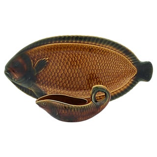 Vintage Sarreguemines French Majolica Fish Platter W/ Sauce Boat For Sale