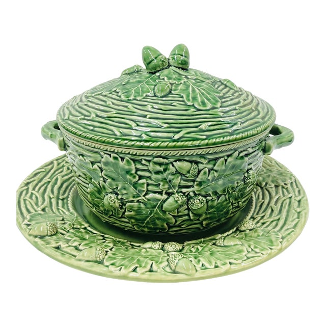 Late 20th Century Bordallo Pinherio Acorns and Leaves Pattern Covered Tureen and Underplate. For Sale