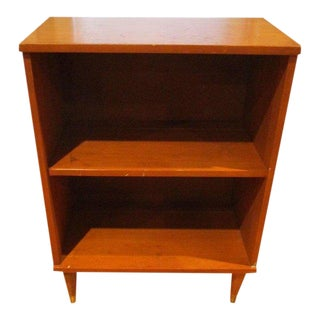 Mid-Century Modern Bookcase Side Table with Tapered Legs For Sale