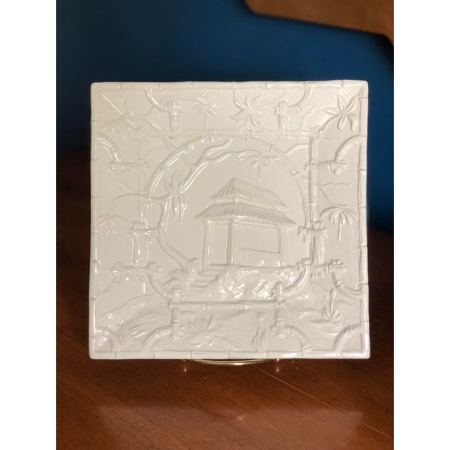 Asian Modern Mottahedeh Design Pagoda Dish For Sale In Charlotte - Image 6 of 13