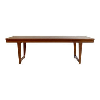 1960s Danish Slade Legs Mid Century Rosewood Coffee Table in the Style of Peter Løvig Nielsen For Sale