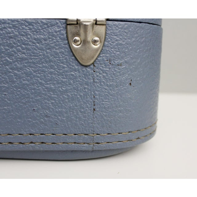 Blue Vintage Blue Hardshell Train Case Suitcase Luggage Makeup Cosmetic Travel Case For Sale - Image 8 of 13