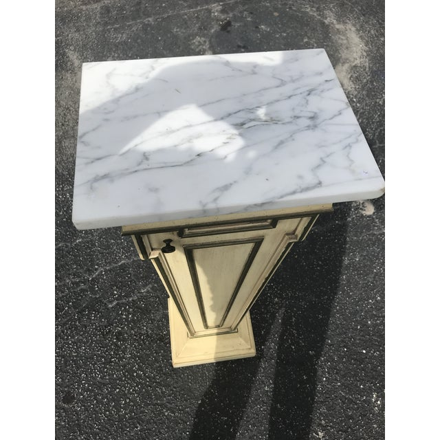 Very beautiful Italian pedestal wood and marble top