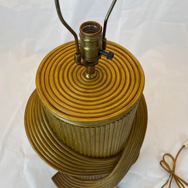 Mid 20th Century Vintage Gabriella Crespi Style Reeded Rattan Sculptural Table Lamp For Sale - Image 5 of 13