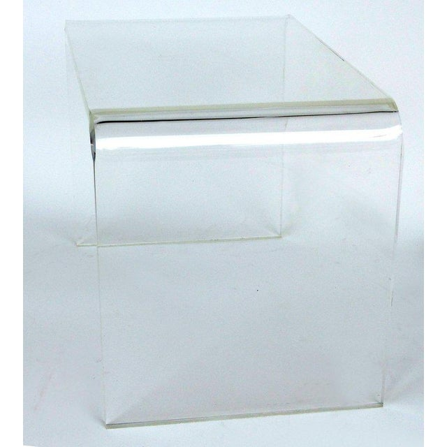 1970s Mid-Century Modern Lucite Waterfall Side Table For Sale - Image 4 of 8