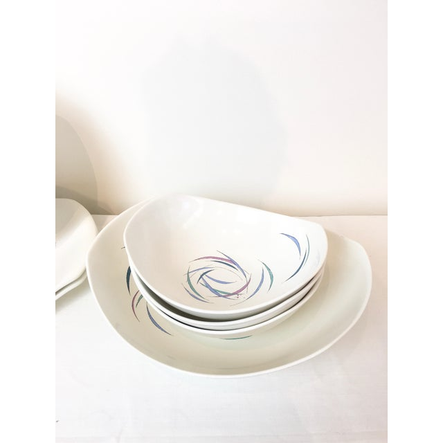 Raymor Vintage 1950s Raymor Universal Sans Souci Pattern Serving Platters & Bowls Set, 7 Pieces For Sale - Image 4 of 10