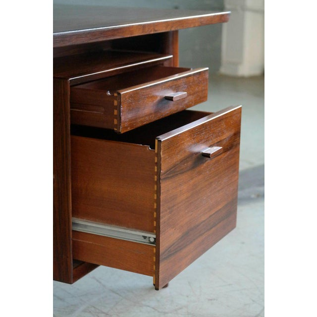 1960s Executive Rosewood Rosewood Desk by Arne Vodder for Sibast From 1950's For Sale - Image 5 of 9