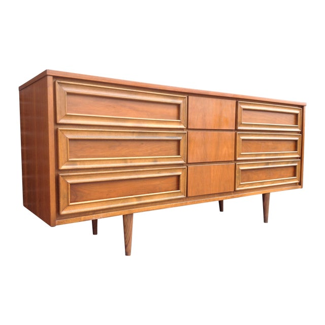 Union Made Mid-Century 9 Drawer Dresser For Sale