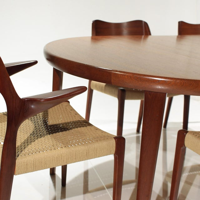 Mid-Century Modern Møller Model 71 & 55 Chairs and Vv Møbler Extension Table - 7 Piece Dining Set For Sale - Image 3 of 12