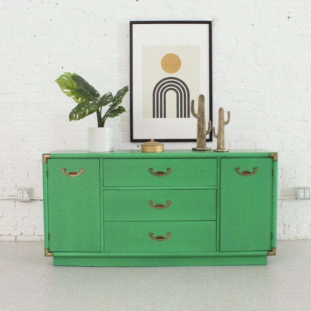 If your name is Kelly and you love green then this buffet is for you. Can't go wrong with having extra space in your...