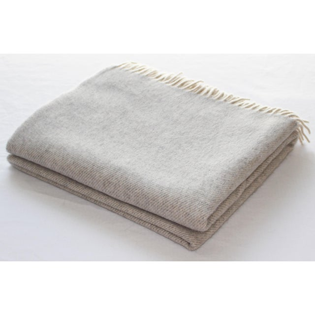 Contemporary Contemporary Cashmere Collection Linen Throw For Sale - Image 3 of 3