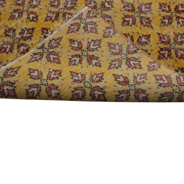 1950s Vintage Mid-Century Gold-Yellow and Red Geometric-Floral Wool Rug- 3′10″ × 6′4″ For Sale - Image 5 of 6