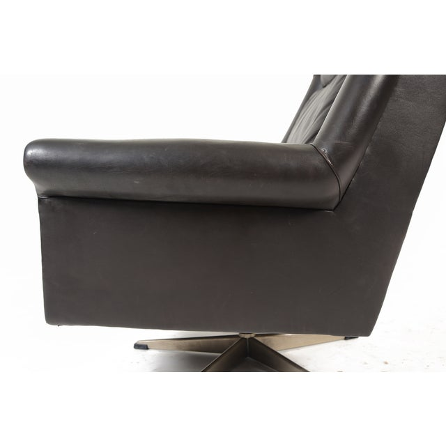 Danish Modern Black Leather Swivel Lounger - Image 9 of 11
