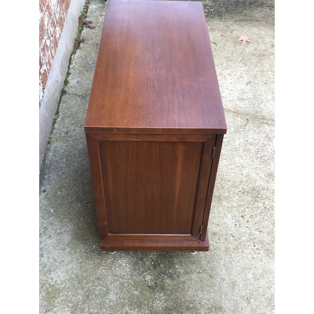 1960s 1960s Mid-Century Modern American of Martinsville Inlay Walnut Cabinet For Sale - Image 5 of 13