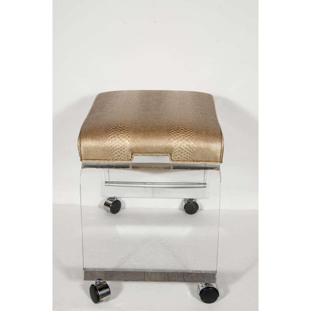 1970s Mid-Century Modernist Waterfall Lucite Stool with Faux Bronze Metallic Python For Sale - Image 5 of 7