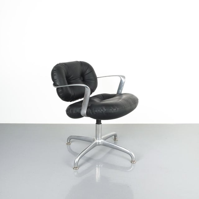 1970s Pair Morrison and Hannah Knoll Office Chair Aluminum Black Leather, 1975 For Sale - Image 5 of 9