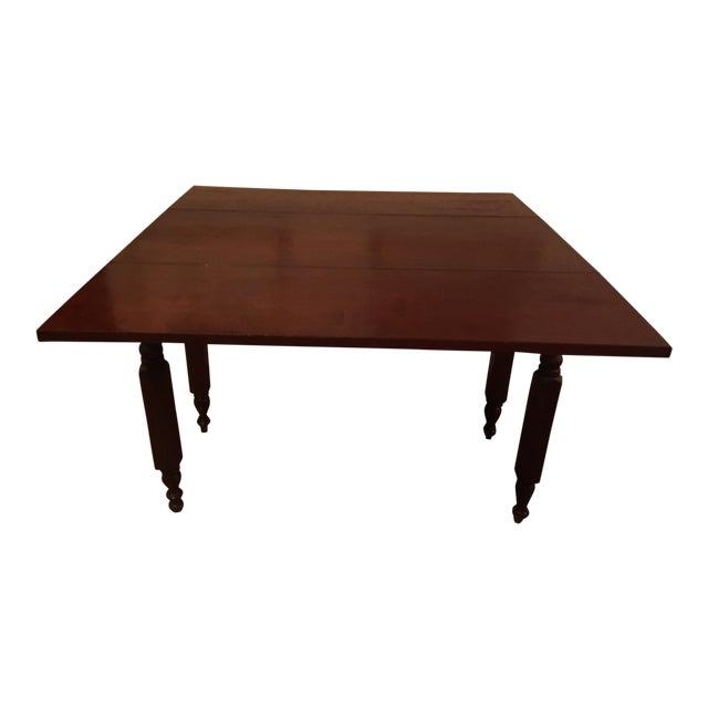 1900s Traditional Cherry Table With Leaves For Sale