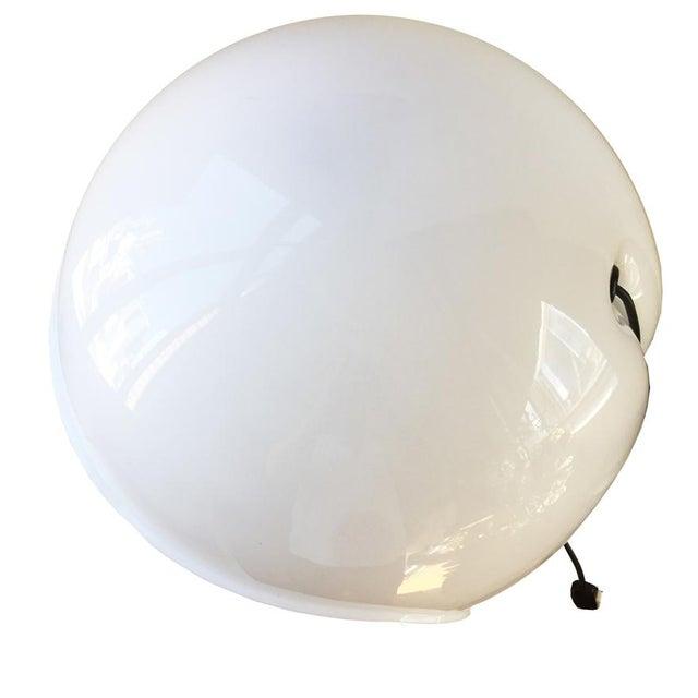 1960s Martinelli Luce Foglia White Plastic Table Lamp For Sale - Image 5 of 8