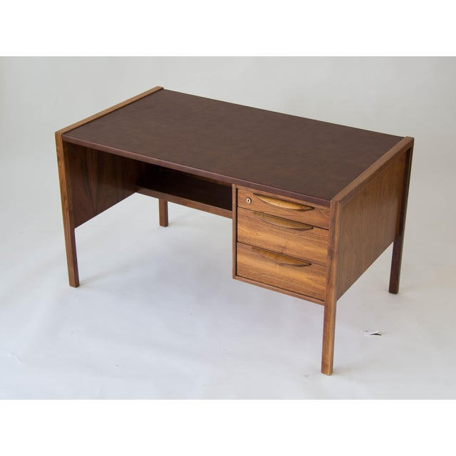 Mid-Century Modern Jens Risom Walnut Desk with Leather Writing Surface For Sale - Image 3 of 11