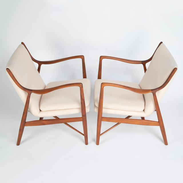 """Pair of Finn Juhl """"45"""" Chairs for Baker Furniture, Circa 1960s For Sale In New York - Image 6 of 13"""