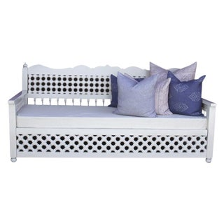 White Hand-Carved Lattice Daybed