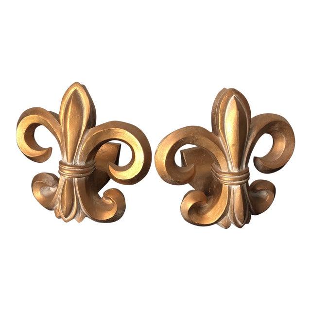 1970s Neoclassical Fleur De Lis Wooden Rod Holders - a Pair For Sale