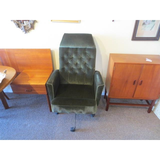 Mid-Century Modern C. 1970s Green Office Chair For Sale - Image 3 of 7