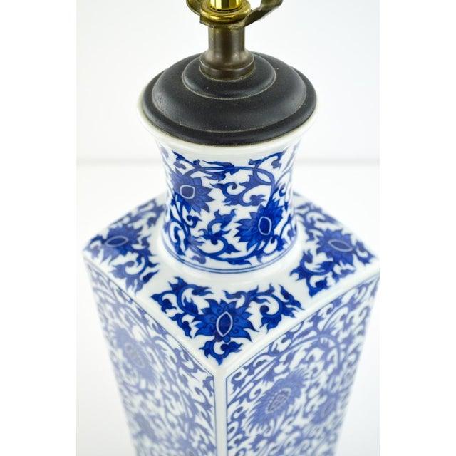 Blue & White Chinoiserie Vase Lamp - Image 4 of 8