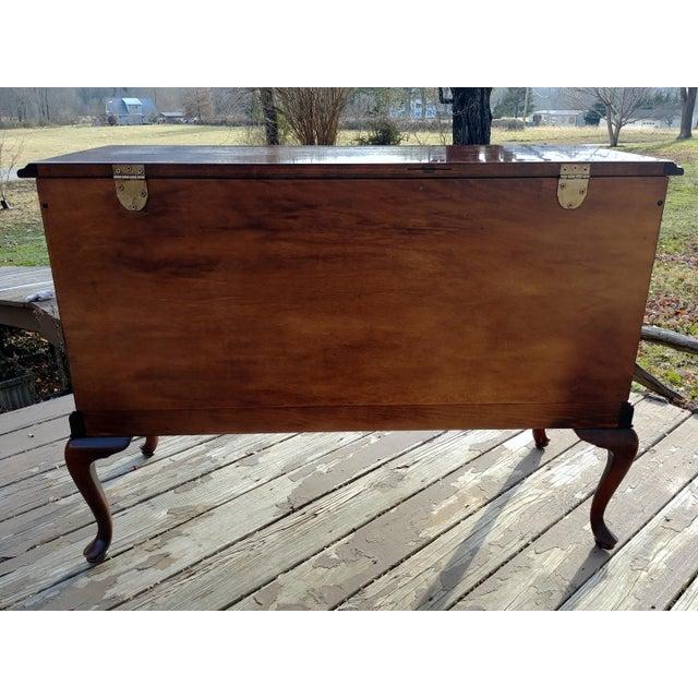 Lane Furniture 1970s Vintage Lane Mahogany Cedar Blanket Chest For Sale - Image 4 of 13