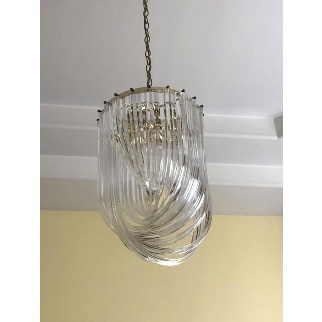 83a261ae0d41 1960s Vintage Spiral Hollywood Regency Style Lucite Ribbon Chandelier For  Sale In Los Angeles - Image