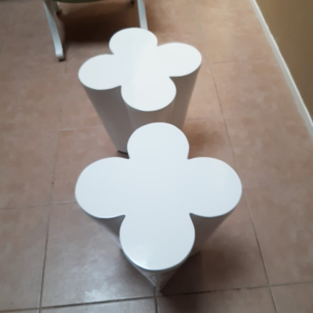 2000 - 2009 Contemporary Lacquered Clover Leaf Side Tables - a Pair For Sale - Image 5 of 6