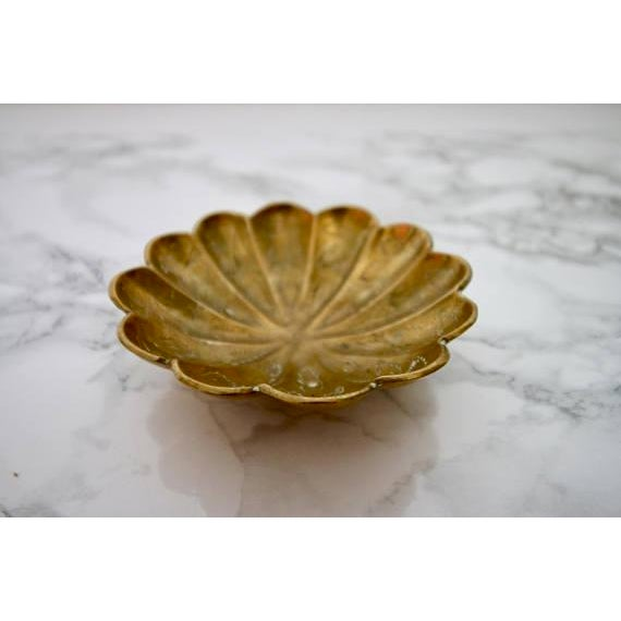 Vintage Brass Scalloped Coin Dish Bowl - Image 2 of 4
