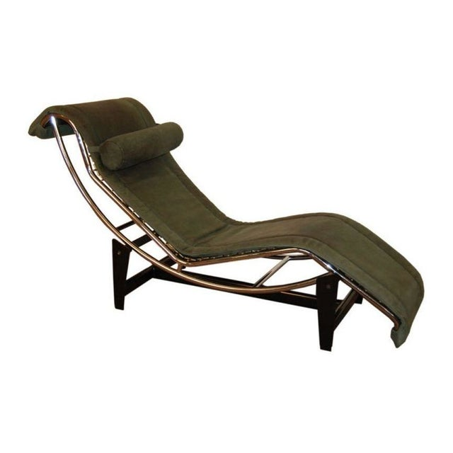 Le Corbusier LC4 Green Leather Chaise Longue For Sale