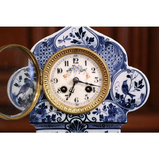 Early 20th Century Dutch Hand-Painted Blue and White Faience Delft Mantel Clock For Sale - Image 9 of 13