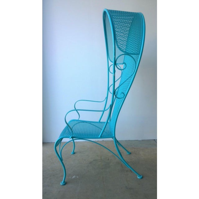 Offered is a Mid-Century Modern Russell Woodard canopy patio chair. This design for this Woodard Canopy chair is quite...