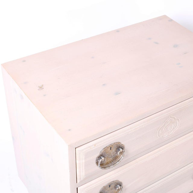 Henredon Midcentury Pickled Pine Chests or Nightstands - A Pair For Sale - Image 4 of 10