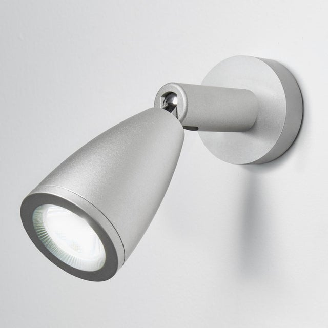 Aluminium LED reading light with tapered head and high quality foccusing lens. Discrete backplate for remote switching....