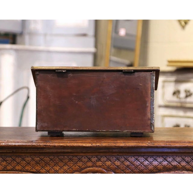 Early 20th Century French Repousse Brass and Wooden Box With Sailboats Decor For Sale In Dallas - Image 6 of 8