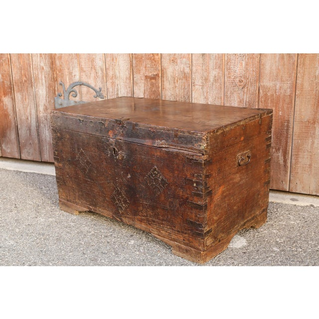 Mediterranean 19th Century Wood Dowry Trunk For Sale - Image 3 of 9