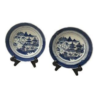 19th Century Chinese Canton Blue and White Plates With Stands - a Pair For Sale