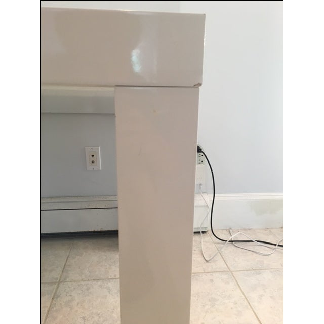 Modern White Lacquer Table For Sale In New York - Image 6 of 6